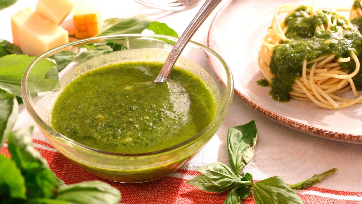 Cómo hacer salsa pesto | Cocinatis
