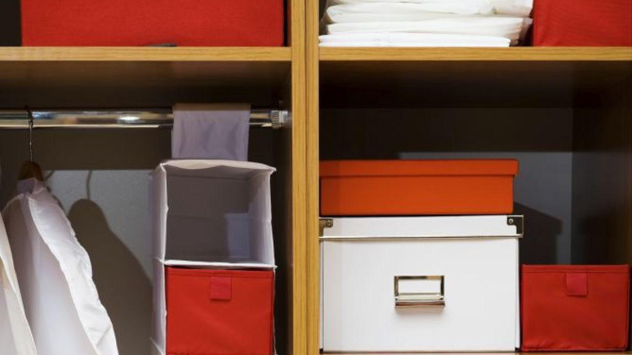 tratar con lona Desmenuzar  Organizar el armario con accesorios - Hogarmania