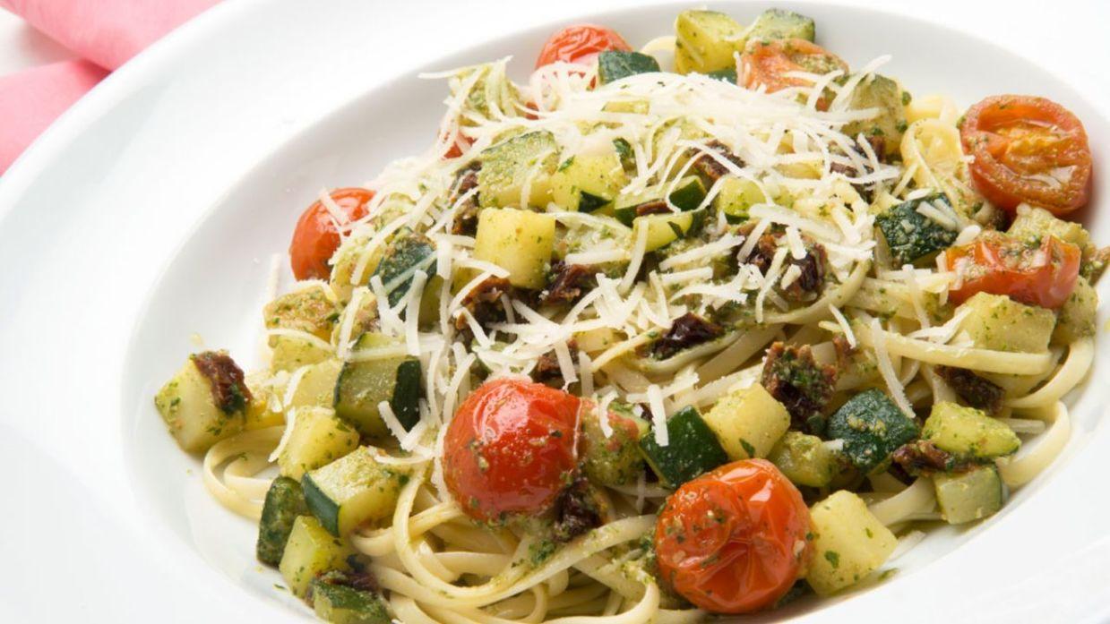 Receta De Tallarines Con Verduras Y Salsa Pesto Karlos Arguinano